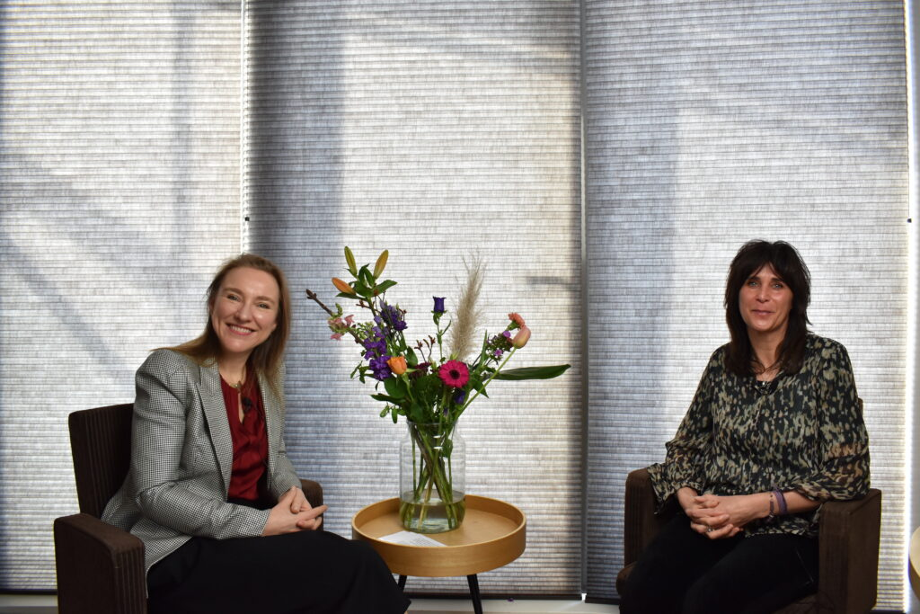 Silvie Spreeuwenberg en Anouschka Ausems