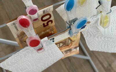 Geld droogt aan waslijn